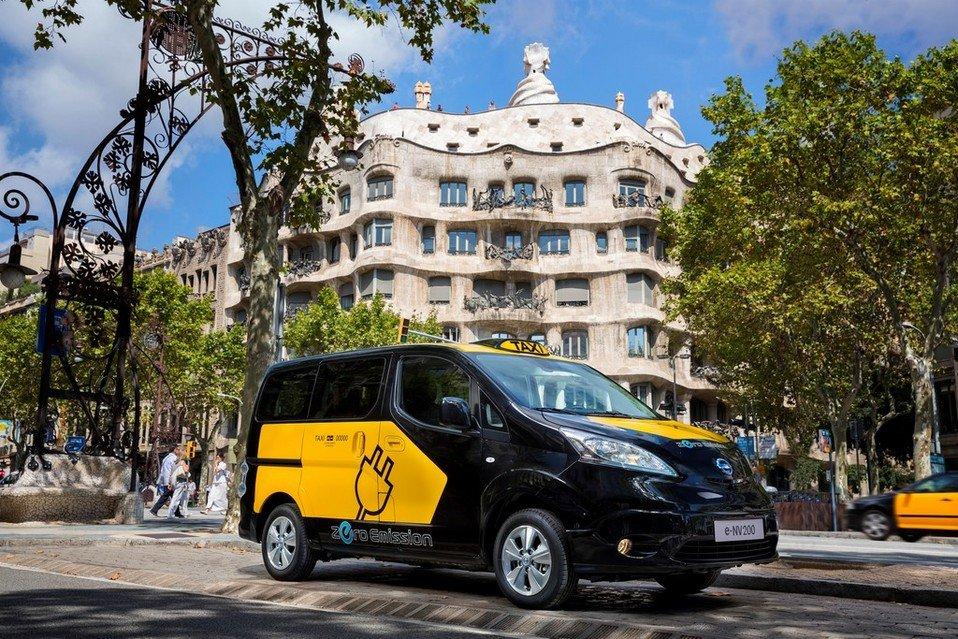 El ayuntamiento de Barcelona quiere ser un referente en movilidad eléctrica.