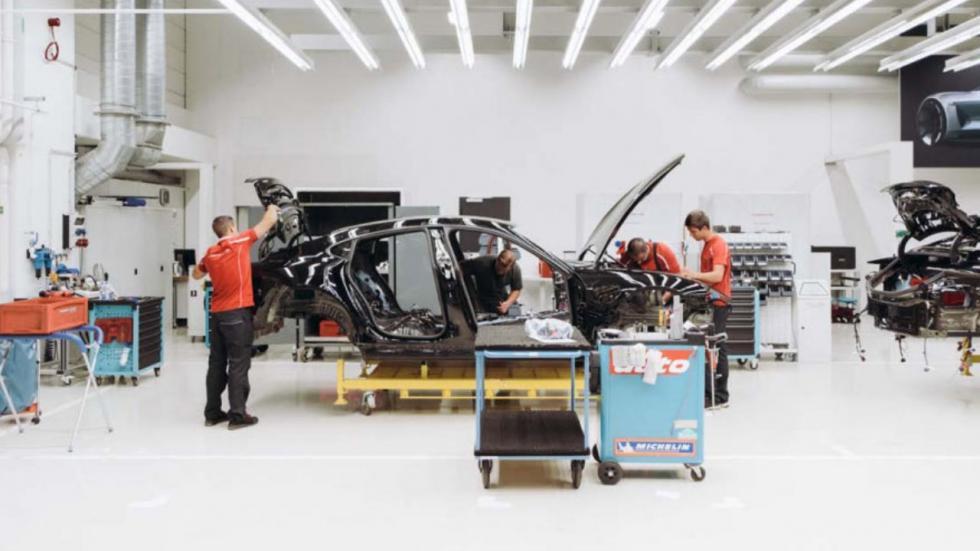 Porsche Mission E, primera imágenes en la fábrica.