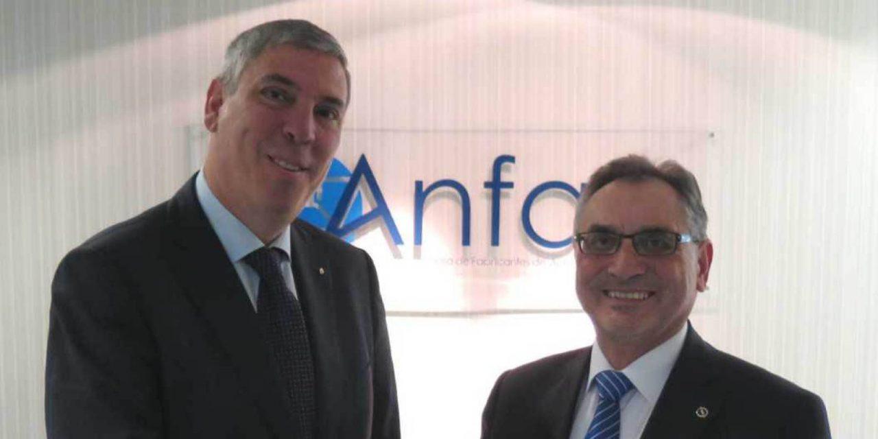 Anfac pide IVA reducido y 150 millones en ayudas al coche eléctrico