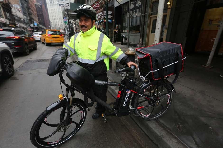 Bicicletas eléctricas de velocidad moderada serán legales en NYC