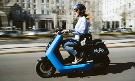 Movo llega a Madrid: así son las motos eléctricas compartidas impulsadas por el fondo de Cabify