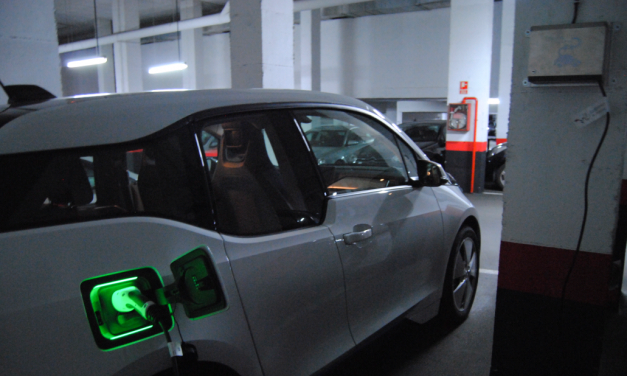Las fincas residenciales se ven obligadas a adaptarse al coche eléctrico