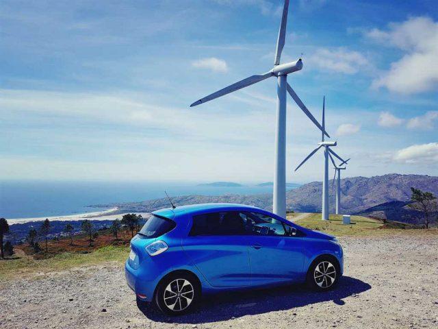 Una gran noticia para el coche eléctrico: España instalará 8.000 nuevos megavatios renovables