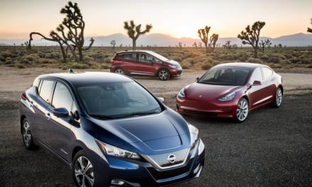 Con las ventas del Hyundai Kona Electrico limitadas y el Chevrolet Bolt en plena recesión, ¿será el Nissan LEAF el único modelo capaz de seguir el ritmo del Tesla Model 3?