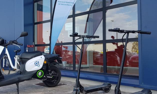 Bicicletas y patinetes: otras formas de pasarse a lo eléctrico