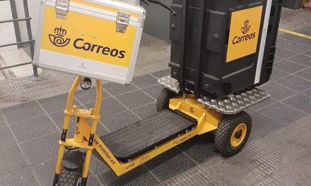 Correos pone en marcha un proyecto piloto de reparto con patinete eléctrico